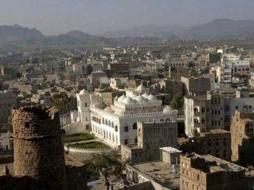 البيضاء.. مليشيا الحوثي تغلق مسجداً برداع وتحوله مخزن أسلحة ومقراً للتدريب