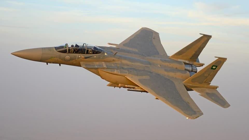 طيران التحالف يستهدف بعدة غارات مواقع وتجمعات للحوثيين في عدة مديريات بحجة