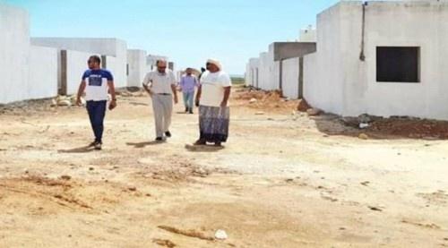 مؤسسة خليفة الإنسانية توجه بسرعة تجهيز مباني المتضررين من الأعاصير في سقطرى