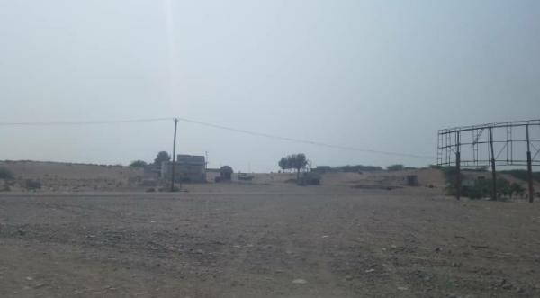 مليشيا الحوثي تشن قصفاً مدفعياً مكثف على الجبلية جنوب الحديدة