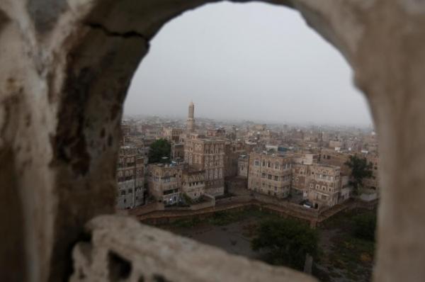 الحوثيون يصادرون مساحات من الجوامع والمقابر ويحولونها لمحال تجارية