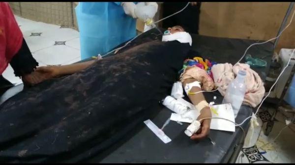 قناص حوثي يصيب طفلة في الدريهمي وارتفاع اجمالي الضحايا خلال الثلاثة الأيام الأخيرة