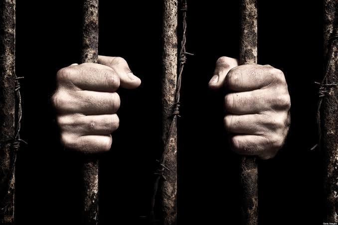 كورونا تتفشى في سجون ومعتقلات الحوثي السرية