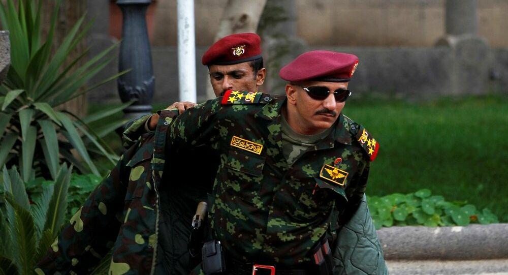 """طارق صالح يتحدث مجددا عن مقتل عمه ويرد على بناء قاعدة جوية في """"ميون"""""""