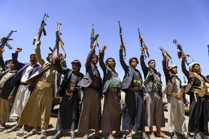 تقرير أمريكي يكشف لعبة هادي والحوثي لإدامة الصراع في اليمن