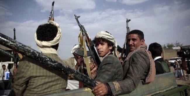 ذمار.. قيادي حوثي يقتل والده بسبب نزعه صورة زعيم الميليشيا