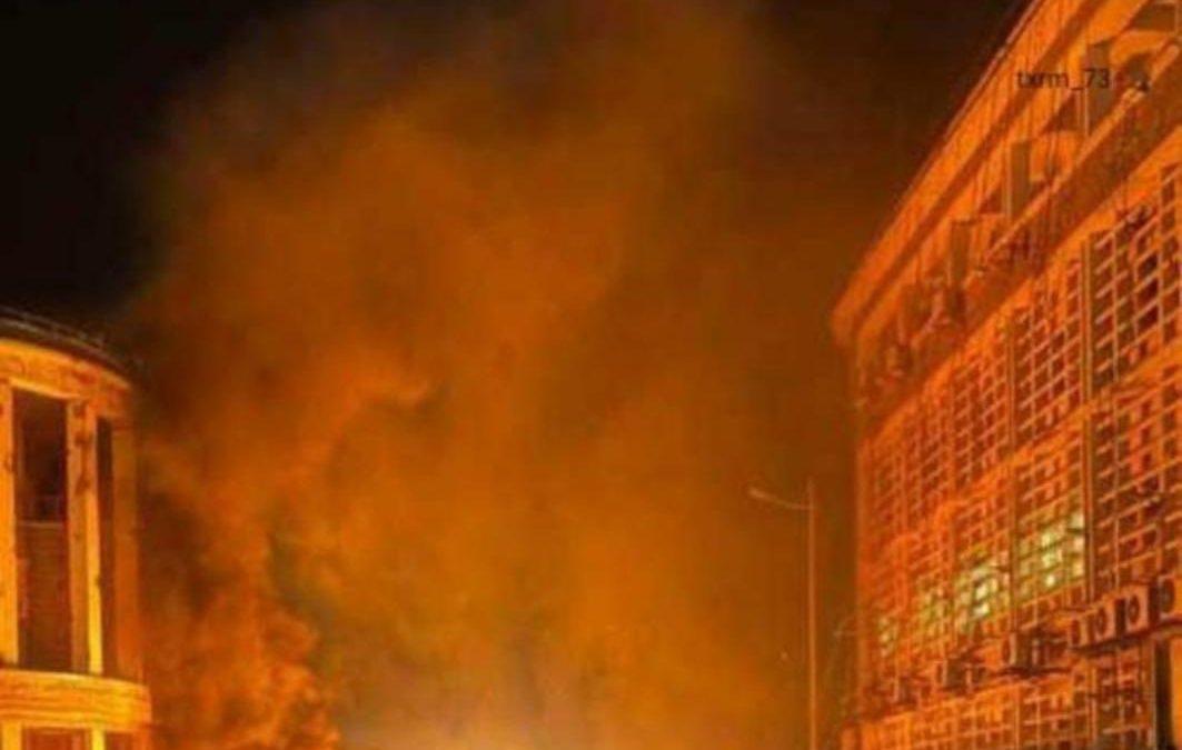 احتجاجات ليلية غاضبة تتوسع في عدن وسط انتشار كثيف للقوات الأمنية