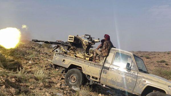 معارك شديدة جنوب مأرب تسفر عن سقوط عشرات الحوثيين وتدمير آليات عسكرية